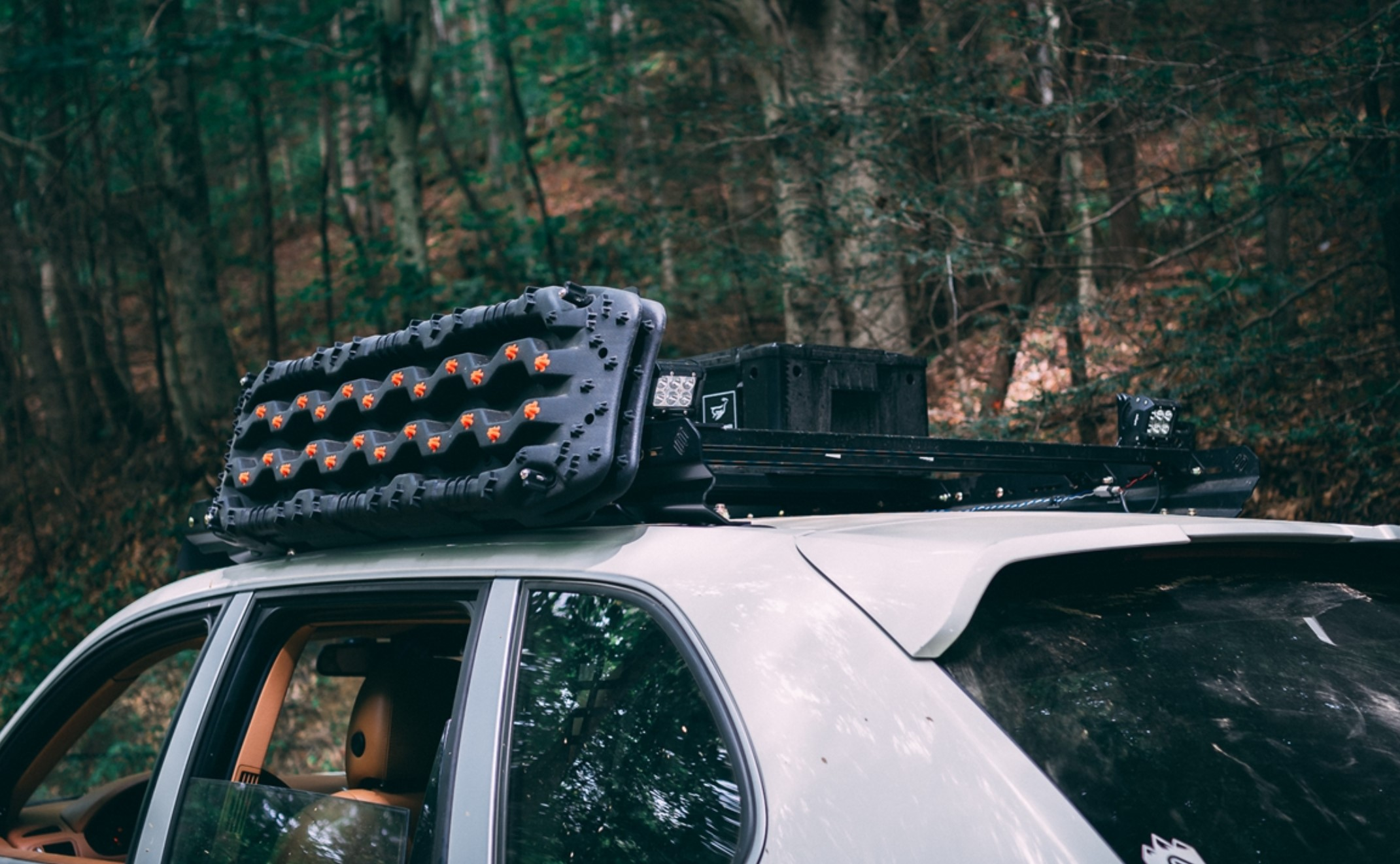 Heavy duty modular roof rack system for the 1st Generation Cayenne & Touareg (2002- 2010)